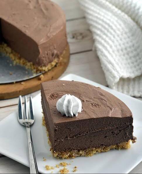 Chocolate Chiffon Pie by Aayushi Parakh